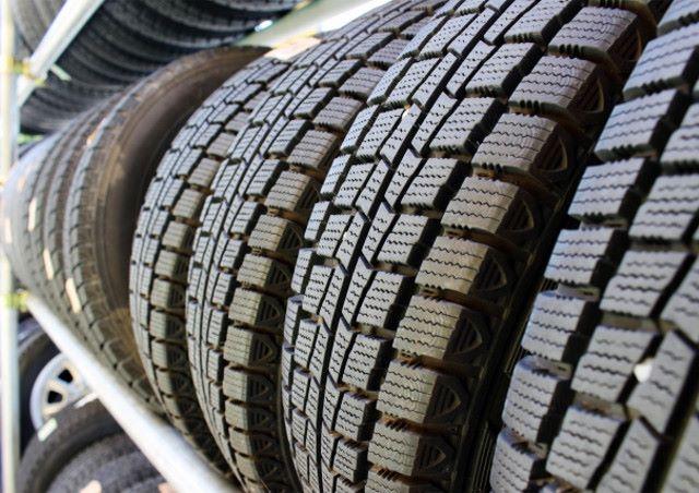 上尾市でトランクルームをタイヤの保管場所として活用!~タイヤの理想的な保管方法~